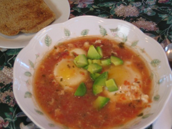 mexican_poached_eggs_breakfast_soup_5